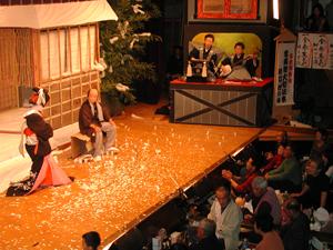 白雲座歌舞伎|日本三名泉を楽し...